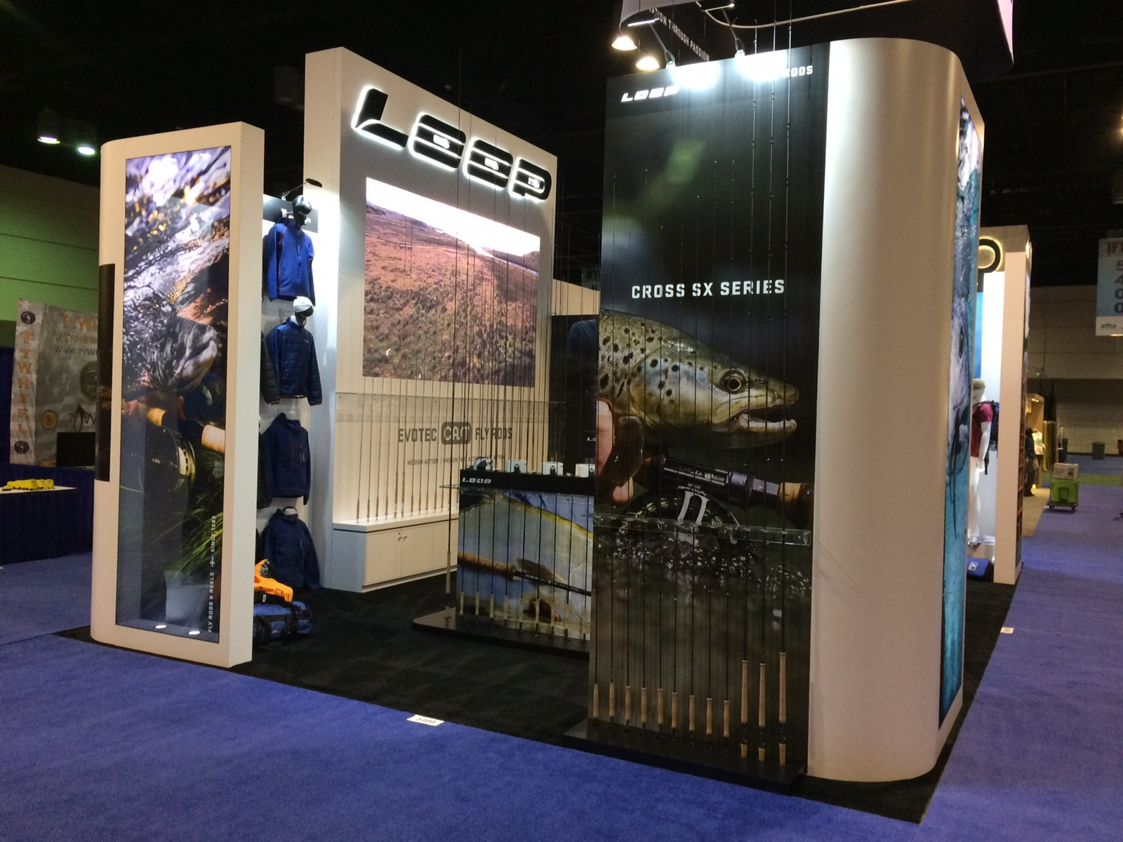 Trade Show Booth Loop : Projection mapping for torlys flooring at surfaces tradeshow